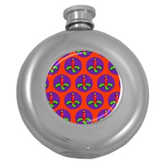 Christmas Candles Seamless Pattern Round Hip Flask (5 Oz)