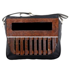 Stainless Structure Collection Messenger Bags