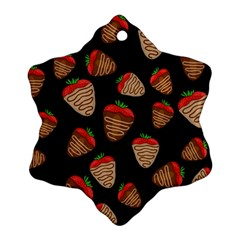 Chocolate Strawberries Pattern Ornament (snowflake)