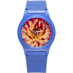 Bloom Blossom Close Up Flora Round Plastic Sport Watch (s)