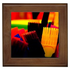 Plastic Brush Color Yellow Red Framed Tiles