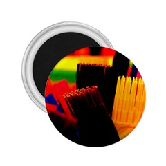 Plastic Brush Color Yellow Red 2 25  Magnets