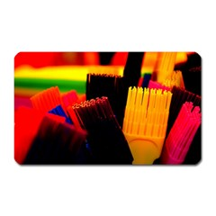 Plastic Brush Color Yellow Red Magnet (rectangular)