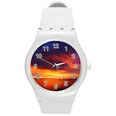 Sunset The Pacific Ocean Evening Round Plastic Sport Watch (m)