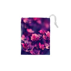 Blurry violet flowers Drawstring Pouches (XS)