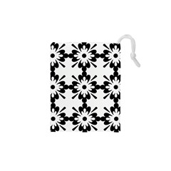 Floral Illustration Black And White Drawstring Pouches (xs)