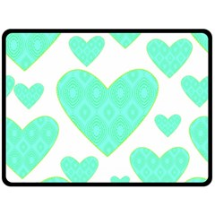 Green Heart Pattern Fleece Blanket (large)