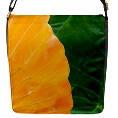 Wet Yellow And Green Leaves Abstract Pattern Flap Messenger Bag (s)