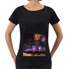 Singapore The Happy New Year Hotel Celebration Laser Light Fireworks Marina Bay Women s Loose Fit T Shirt (black)