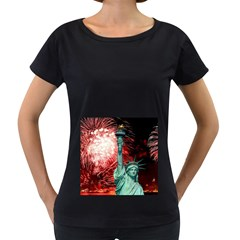 The Statue Of Liberty And 4th Of July Celebration Fireworks Women s Loose Fit T Shirt (black)