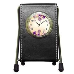 Floral Background Pen Holder Desk Clocks