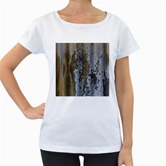 Grunge Rust Old Wall Metal Texture Women s Loose Fit T Shirt (white)