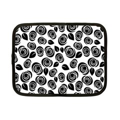 Black Roses Pattern Netbook Case (small)
