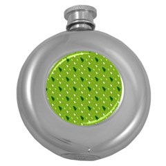Green Christmas Tree Background Round Hip Flask (5 oz)