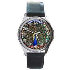 The Peacock Pattern Round Metal Watch