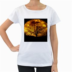 Moon Tree Kahl Silhouette Women s Loose-Fit T-Shirt (White)