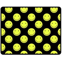 Happy Face Pattern Fleece Blanket (Medium)