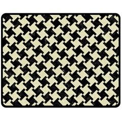 HTH2 BK-MRBL BG-LIN Double Sided Fleece Blanket (Medium)