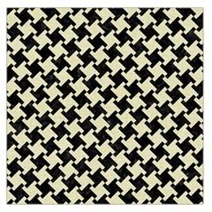 HTH2 BK-MRBL BG-LIN Large Satin Scarf (Square)