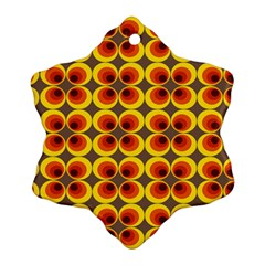 Seventies Hippie Psychedelic Circle Ornament (Snowflake)