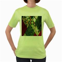 Christmas Quilt Background Women s Green T-Shirt