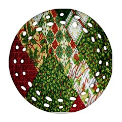 Christmas Quilt Background Ornament (Round Filigree)
