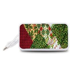 Christmas Quilt Background Portable Speaker (White)