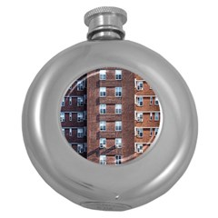 New York Building Windows Manhattan Round Hip Flask (5 oz)
