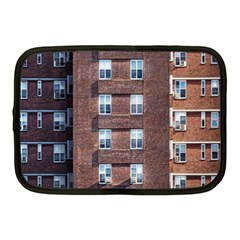 New York Building Windows Manhattan Netbook Case (Medium)