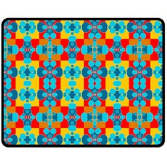 Pop Art Abstract Design Pattern Fleece Blanket (Medium)