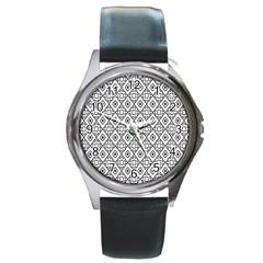 Triangel Plaid Round Metal Watch