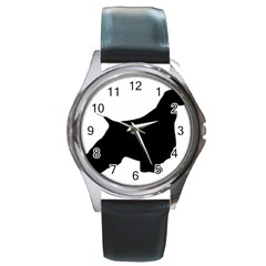 English Springer Spaniel Silo Black Round Metal Watch