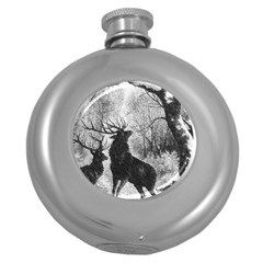 Stag Deer Forest Winter Christmas Round Hip Flask (5 Oz)