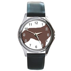 Flat Coated Retriever Silo Color Round Metal Watch