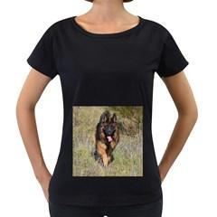 German Shepherd In Motion Women s Loose-Fit T-Shirt (Black)