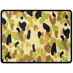 Army Camouflage Pattern Fleece Blanket (Large)