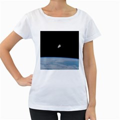 Astronaut Floating Above The Blue Planet Women s Loose Fit T Shirt (white)