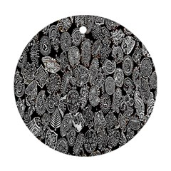Black And White Art Pattern Historical Round Ornament (Two Sides)