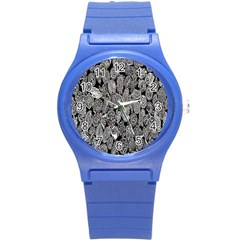 Black And White Art Pattern Historical Round Plastic Sport Watch (s)