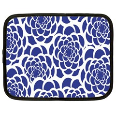 Blue And White Flower Background Netbook Case (xl)