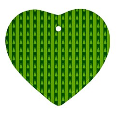Christmas Tree Background Xmas Ornament (Heart)