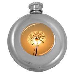 Dandelion Sun Dew Water Plants Round Hip Flask (5 oz)