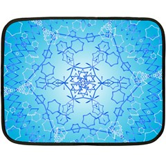 Design Winter Snowflake Decoration Fleece Blanket (Mini)