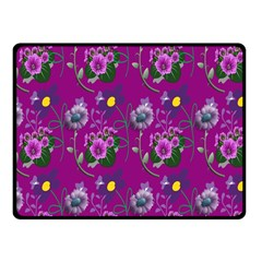 Flower Pattern Fleece Blanket (Small)