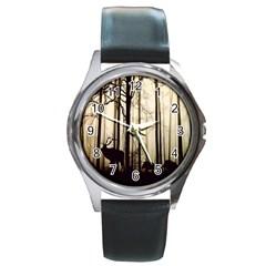 Forest Fog Hirsch Wild Boars Round Metal Watch