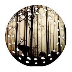 Forest Fog Hirsch Wild Boars Ornament (Round Filigree)