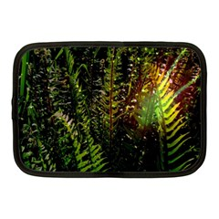 Green Leaves Psychedelic Paint Netbook Case (medium)