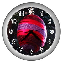Glass Ball Decorated Beautiful Red Wall Clocks (silver)