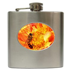 Honey Bee Takes Nectar Hip Flask (6 oz)