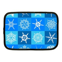 Seamless Blue Snowflake Pattern Netbook Case (Medium)
